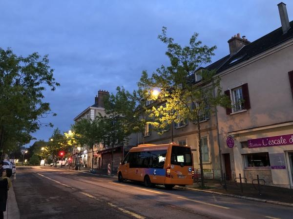 フランス旅 ② 夜のシャルトル